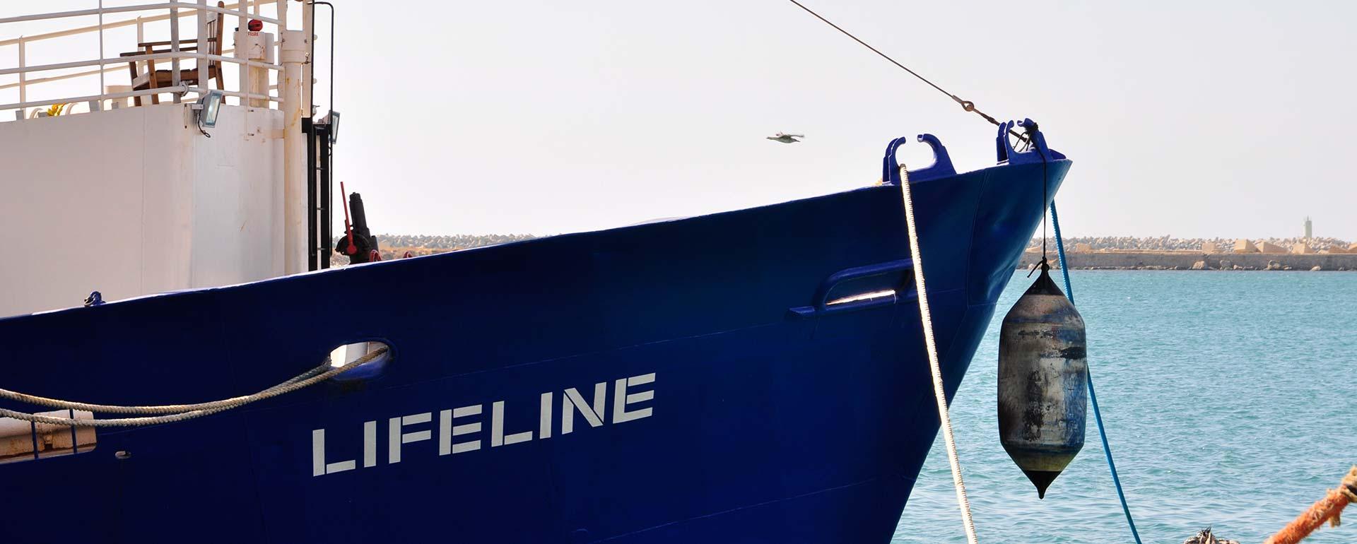 Lifeline im Hafen von Malta von der Seite, Schriftzug LIFELINE