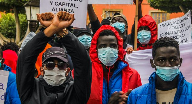 Demonstration gegen die Verhältnisse in den Lagern (Candela)